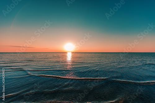 sunrise-in-the-sea