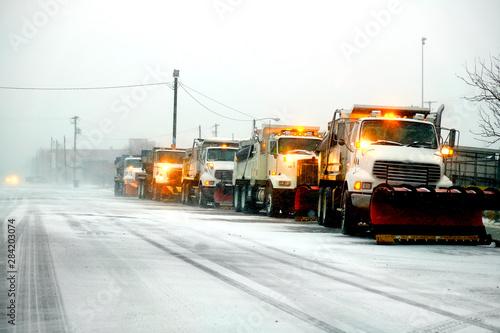 Fotomural Snow Plows in Severe Blizzard Preparing for Storm