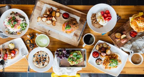 Photo Breakfast food on table