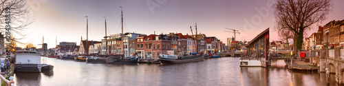 Montage in der Fensternische Dunkelgrau Cityscape, panorama, banner - view of city channel with ships, the city of Leiden, Netherlands.
