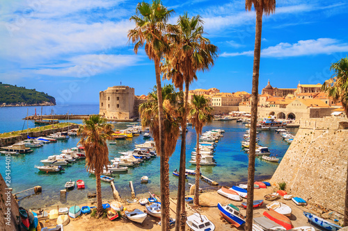 Türaufkleber Schiff Coastal summer landscape - view of the City Harbour and marina of the Old Town of Dubrovnik on the Adriatic coast of Croatia