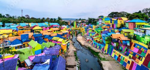 Fotografía  Kampung Warna-Warni Jodipan, the Village of Color in Malang, Indonesia