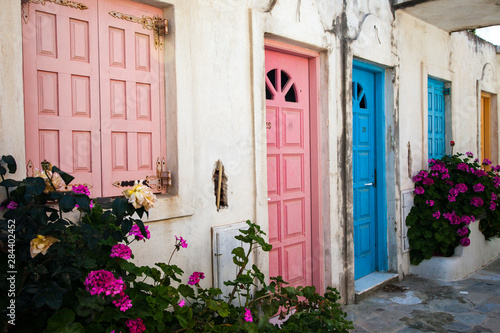 Fotografia  Greece, Santorini, old building