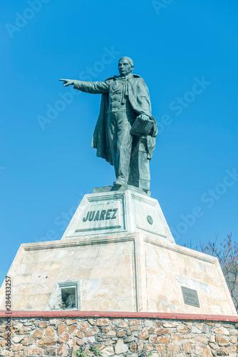 Foto op Aluminium Historisch geb. Mexico, Oaxaca, Statue of Benito Juarez