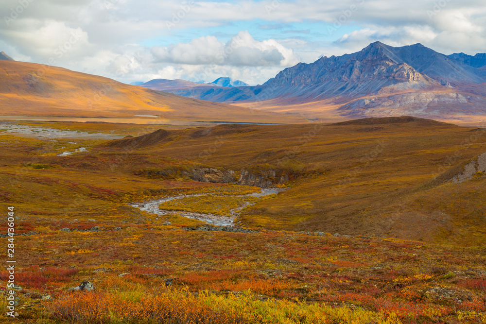 USA, Brooks Range, Gates of the Arctic National Preserve. Autumn color in tundra and Galbraith River. Credit as: Don Paulson / Jaynes Gallery / DanitaDelimont.com