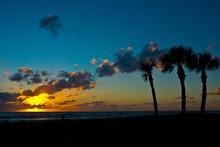 USA, Florida, Sarasota. Crescent Beach, Siesta Key Sunset.