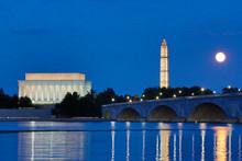 USA, District Of Columbia, Washington, Moon Rising Over The Memorial Bridge And The Lincoln Memorial,