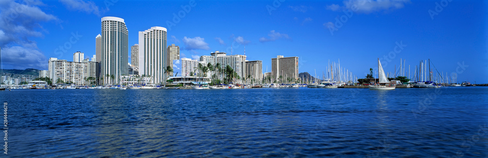 Fototapeta USA, Hawaii, Oahu, Honolulu. Sleek highrise buildings dominate Waikiki Beach, Honolulu, Oahu, Hawaii.