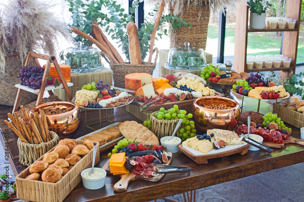 Fototapeta big, healthy buffet