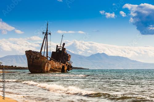 In de dag Schip The famous shipwreck near Gythio Greece