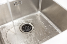 Stainless Kitchen Sink With Fo...