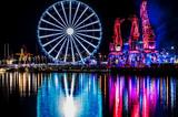 Fototapeta Londyn - Iluminacje świetlne dźwigary