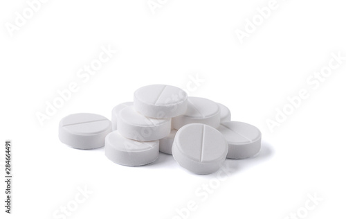 Fotografia  Pills isolated on white background