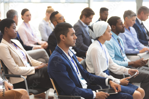 Fotografía  business people attending a business seminar