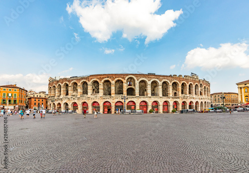 Photo famous old roman arena di Verona