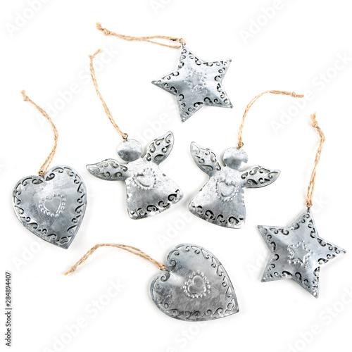 Photo Weihnachten Dekoration isoliert: silberne Blech Metall Engel Herz Stern