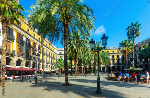 Foto op Canvas Barcelona Fountain of Placa Reial (Royal Square) at daytime in Barcelona. Spain