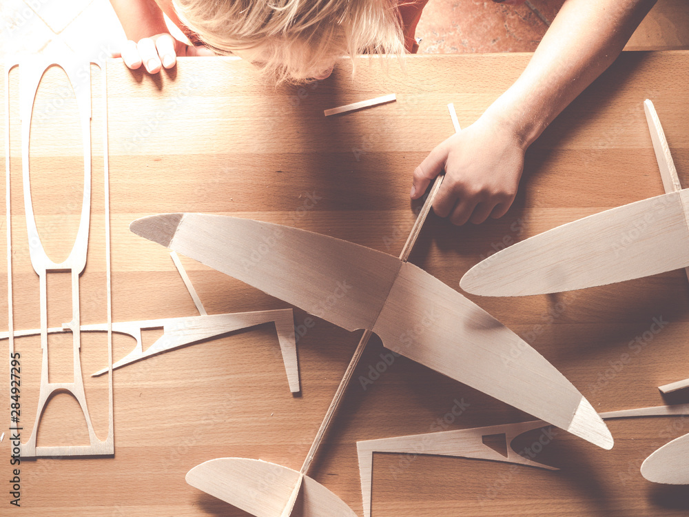 Fototapety, obrazy: wood aircraft kit or airplane model made from from balsa