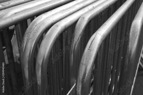 Türaufkleber Darknightsky Stahl Absperr Gitter mit Bögen