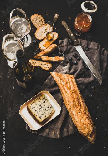 Obraz na plátně Wine and snack set
