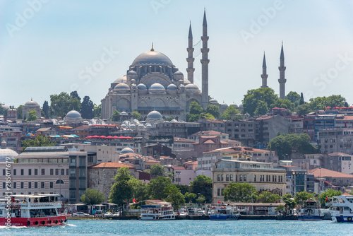 Cuadros en Lienzo 05/26/2019 Istanbul, Turkey, a standard and tourist look at The Blue Mosque also known as Sultan Ahmet