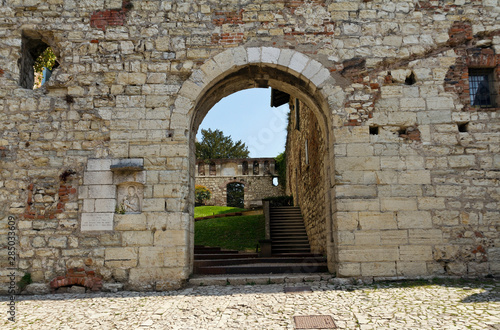 Gateway to Luigi Marzoli Weapons Museum in Brescia castle Tableau sur Toile