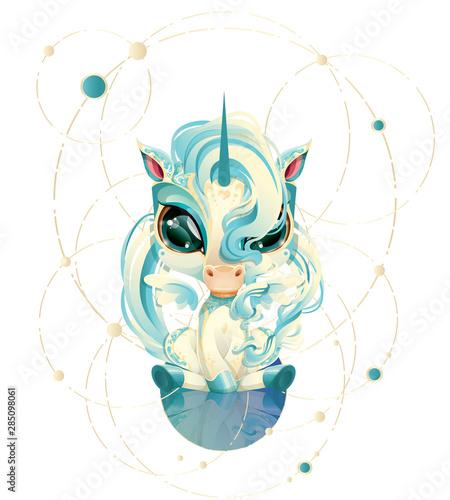 Fototapeta Uroczy mały Niebieski Jednorożec z duzymi oczami siedzący nad swoim odbiciem. Magiczne zwierze wzór dziecięcy z ozdobnymi motywami na siersci. Plik wektorowy obraz