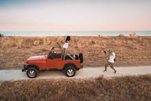 Fotografo Nella Savana Con Jeep
