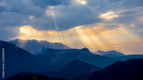 Matin bleu en montagne, ciel dramatique, Hautes Alpes, France Canvas Print