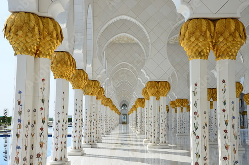 Foto auf AluDibond Abu Dhabi Beautiful Sheikh Zayed Grand Mosque