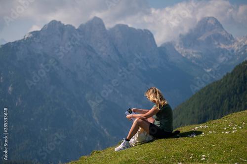 Treking w Alpach Julijskich, w tle Triglav Tablou Canvas