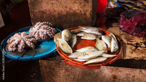 Montage in der Fensternische Sansibar zanzibar fish market
