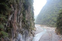台湾のタロコ渓谷 太