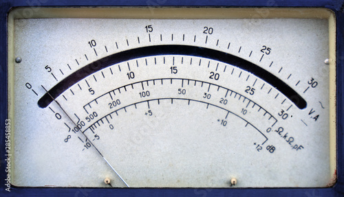 Vintage analog ammeter and voltmeter scale with an arrow Wallpaper Mural