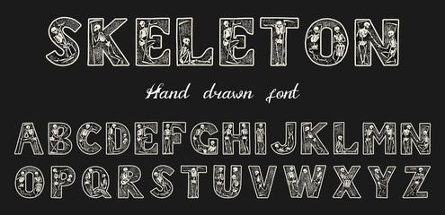 Starinski stari font s kosturima za plakate Dan mrtvih. Dekorativna gotička abeceda u antičkom stilu. Vintage vrsta slova. Monogram koji se može uređivati i slojevit. Ručno izvučeni vektor moderna slova za transparente