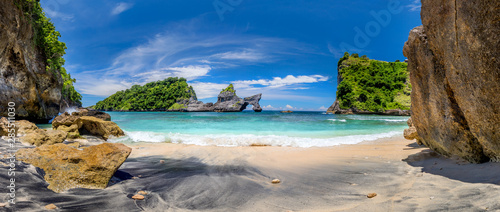 Foto-Schiebegardine Komplettsystem - Panorama of paradise tropical beach with small island and perfect azure clean water