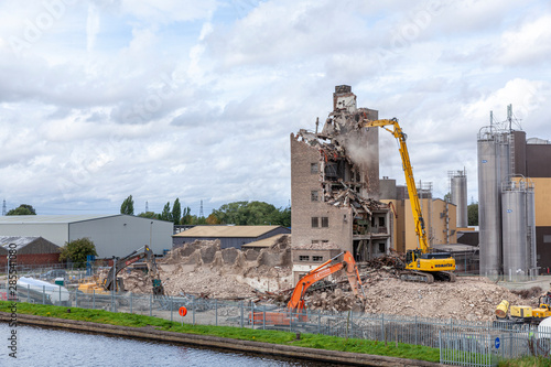 Eggborough, Selby, Yorkshire, England, 22ed August 2019, Eggborough Grain Silo being demolished,  Dave Couldwell Canvas Print