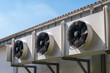 canvas print picture - Eine Klimaanlage an einer Außenwand