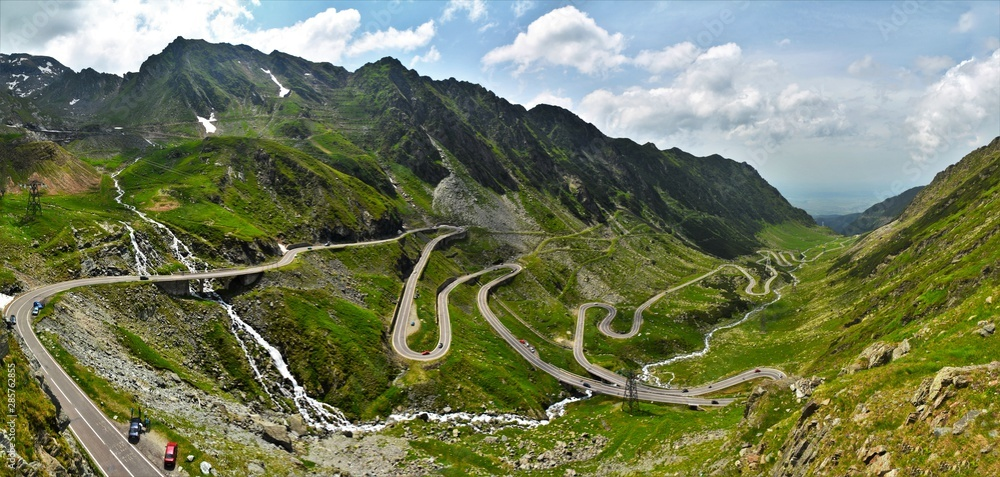 Fototapety, obrazy: on Transfagarasan from Fagaras mountains in summer