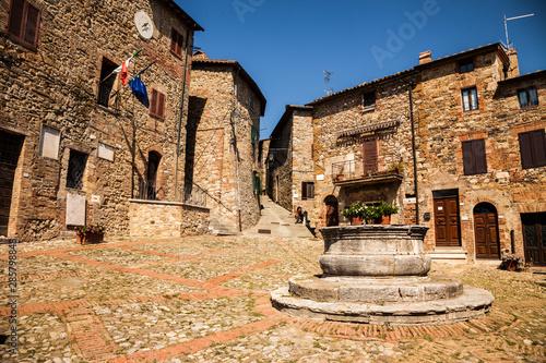 ancient-village-castiglione-d-orcia-in-tuscany-italy