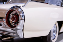 Back Headlight Of White Vintag...