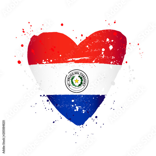 Photo Paraguayan flag in the form of a big heart.