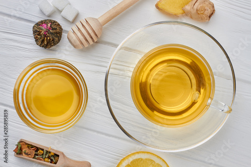 Photo sur Toile The Cup of tea, honey and other tea accessories. Food and drink.