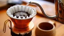 コーヒーを淹れ始めて...