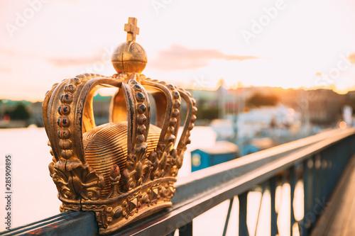Foto auf AluDibond Stockholm Stockholm, Sweden. Skeppsholmsbron - Skeppsholm Bridge With Its Famous Golden Crown In Stockholm, Sweden. Famous Popular Place Landmark Destination. Scandinavia Travel