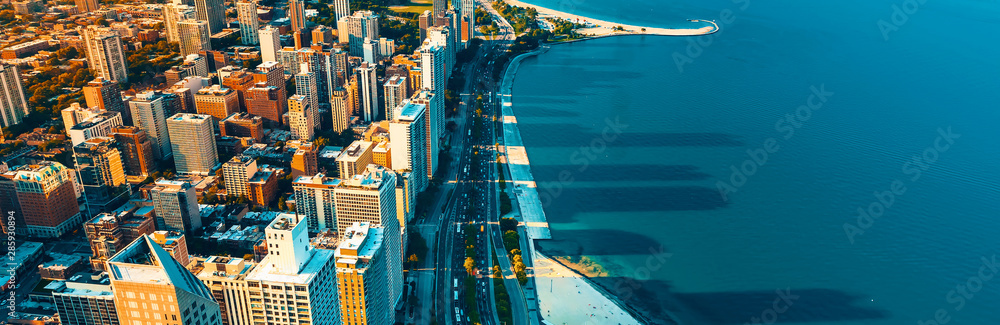 Fototapeta Chicago cityscape with a view of Lake Michigan from above