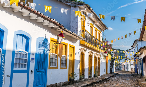 Cuadros en Lienzo  Historical centre of Paraty in Brazil