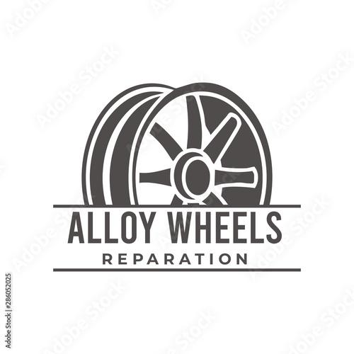 Photo Alloy wheel isolated on white background