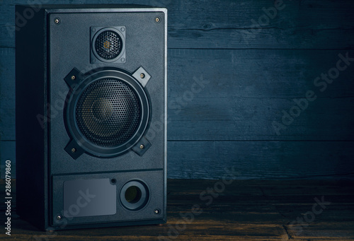 Fotomural Audio Speakers music stereo on wooden background
