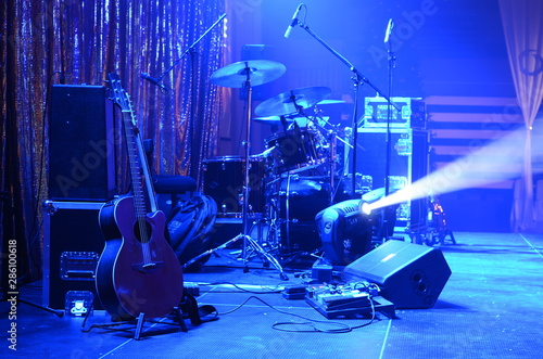 Cuadros en Lienzo Guitar and other musical equipment on stage before concert